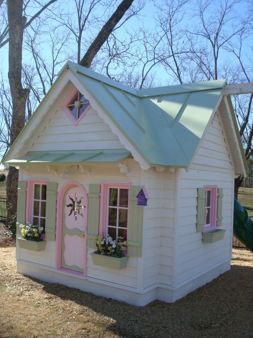 10 awesome playhouse accessories kidspace interiors for Playhouse interior designs