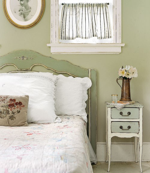 teen room with vintage nightstand and vintage headboard - Vintage Bedroom Decor Ideas