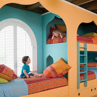 Three kids three beds one room for Bedroom ideas for 3 beds