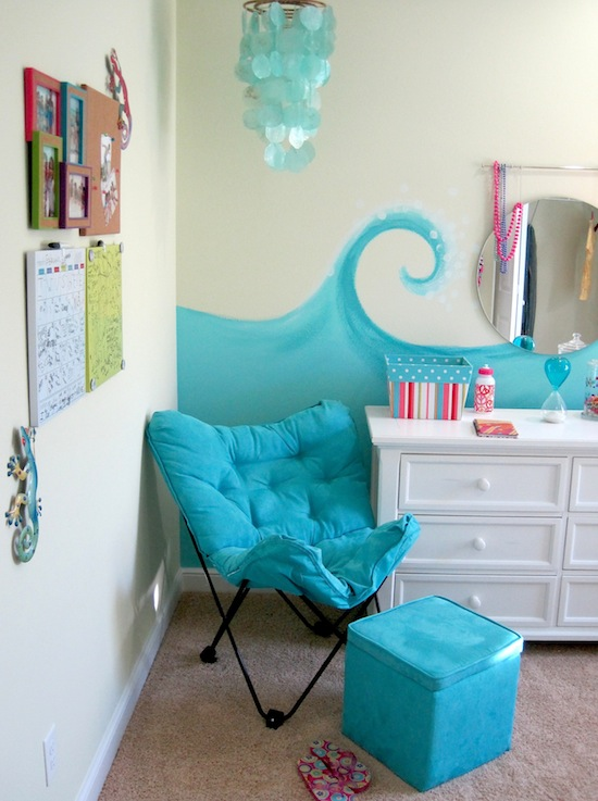 girls beach theme bedroom with butterfly chair