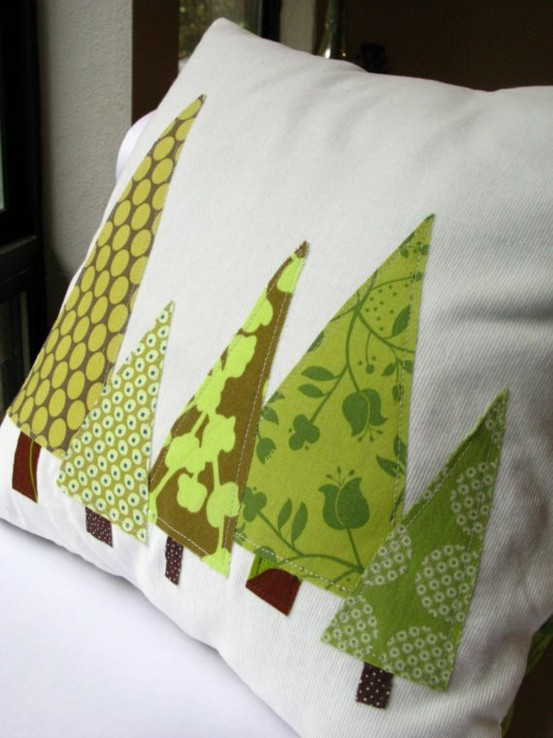 kids room christmas decoration ideas with christmas tree pillow