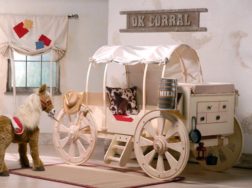 Design room for kids with Stagecoach bed