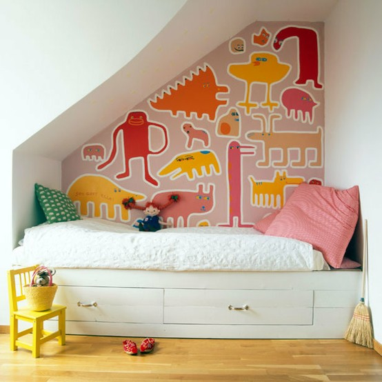 Design room for kids with understairs bed