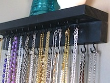 Design room for kids with Jewelry storage