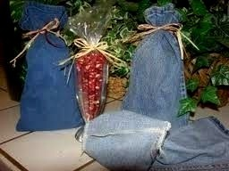 recycle blue jeans into reusable gift bags