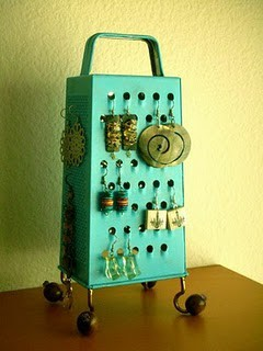teen girl room idea for vintage jewelry storage with painted metal cheese grater