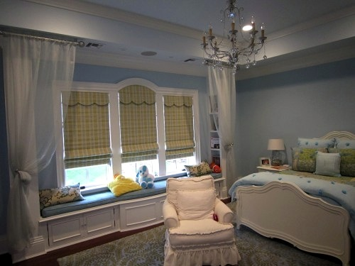 girls room ideas with roman shades for window treatment