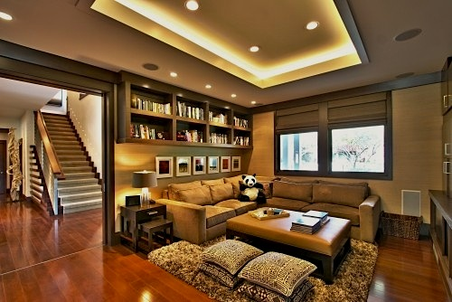 comfrotable seating in family room
