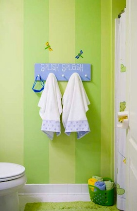 kids bathroom storage idea for towels