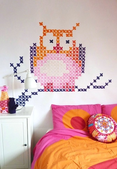 teen girl wall art ideas with cross-stitch owl painted mural