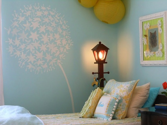 Artistically Stenciled Kidsu0027 Room Walls