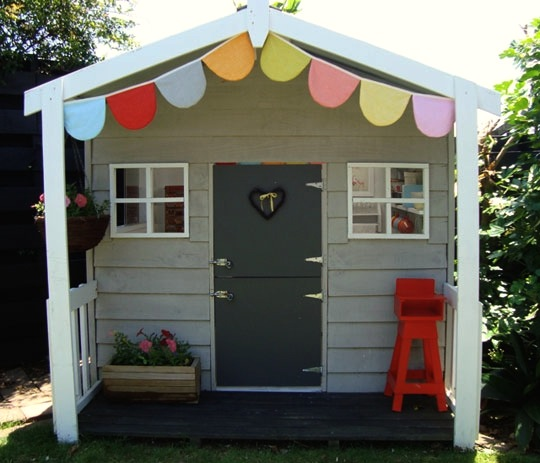 Merveilleux Kids Outdoor Playhouse With Porch