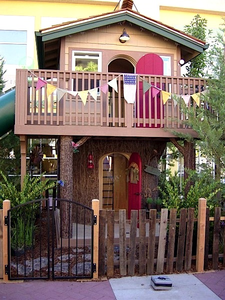 treehouse without a tree for two story playhouse