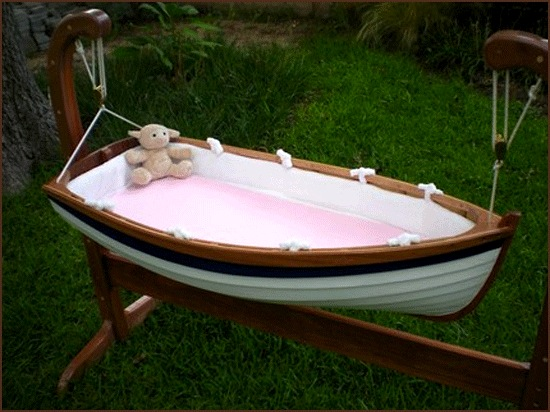 baby outdoor sleep and play with suspended boat cradle