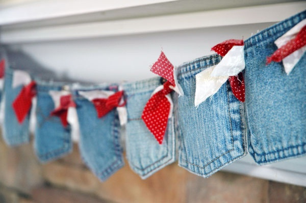 recycle kids blue jean pockets into holiday mantle banner