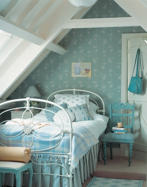 vintage teen room ideas with blue and white girls room