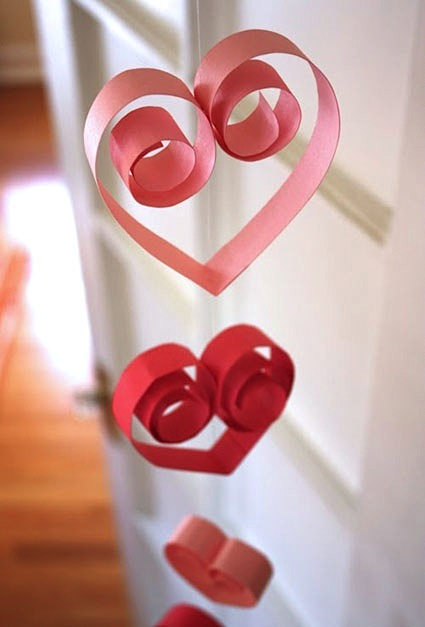 paper heart valentine garland for kids room decor