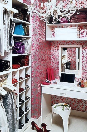 Other uses for kids 39 room closets kidspace interiors for Walk in closet ideas for teenage girls