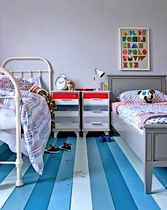 paint old floor to modernize kids room