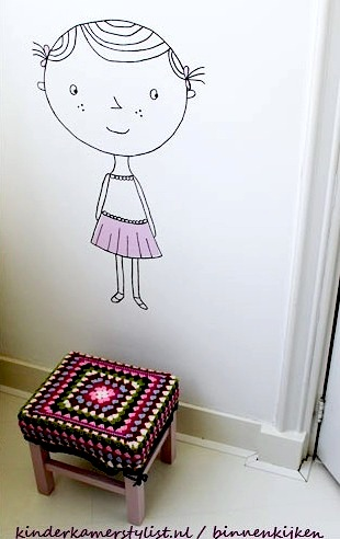 drawing on kids room walls