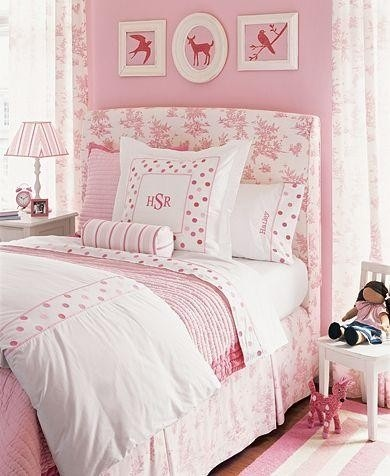all pink girls room