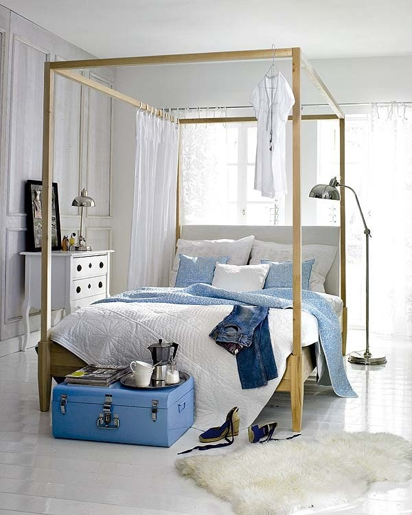 teen girls room in blue and white