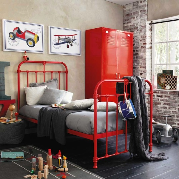 Boys Red Color Scheme Room