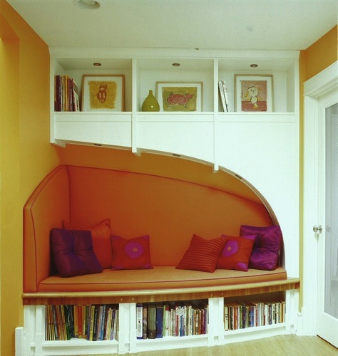 Kids cozy corners for reading reading areas kidspace for Kids reading corner ideas