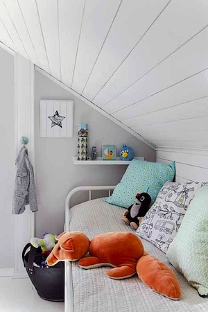 Kids 39 room under series kidspace interiors nauvoo il for Eaves bedroom ideas