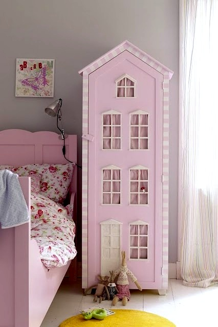 Dollhouses are perfect girls room accessories kidspace - Stuff for girls rooms ...