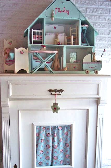 Dollhouses Are Perfect Girls Room Accessories Kidspace