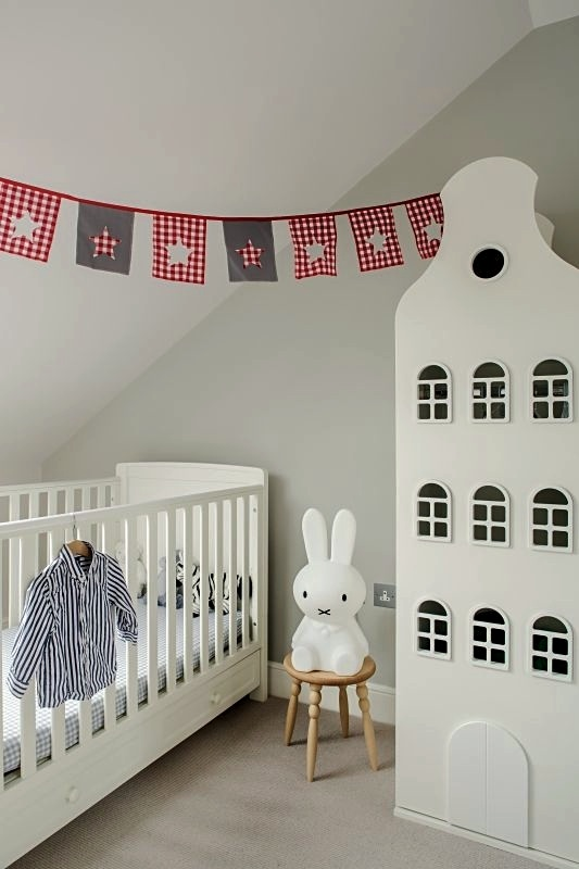 Small space nursery storage ideas home design blog - Baby room ideas small spaces property ...