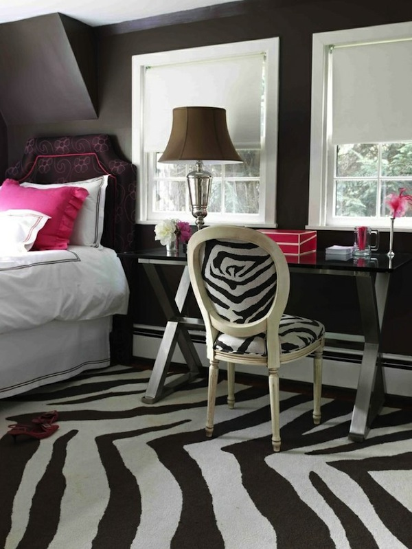 Teen room ideas using patterned area rugs kidspace for Funky girl bedroom ideas
