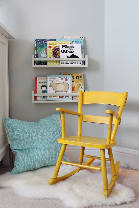 Toddler relaxing reading areas kids reading nooks for Toddler reading chair