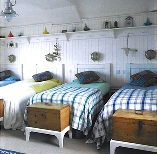 nautical summer cabin bunk room