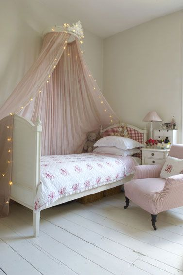 lights and sheer bed canopy for girls room