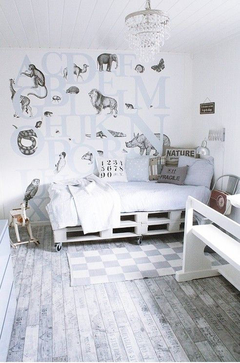 abc wall paper with animals