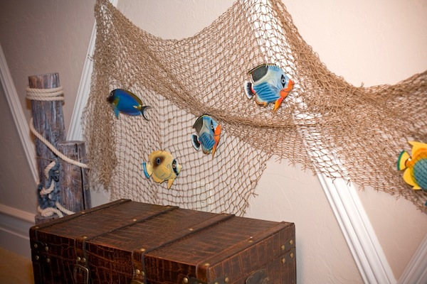 Boys Beach Themed Room Accessories With Fish Net And Colorful