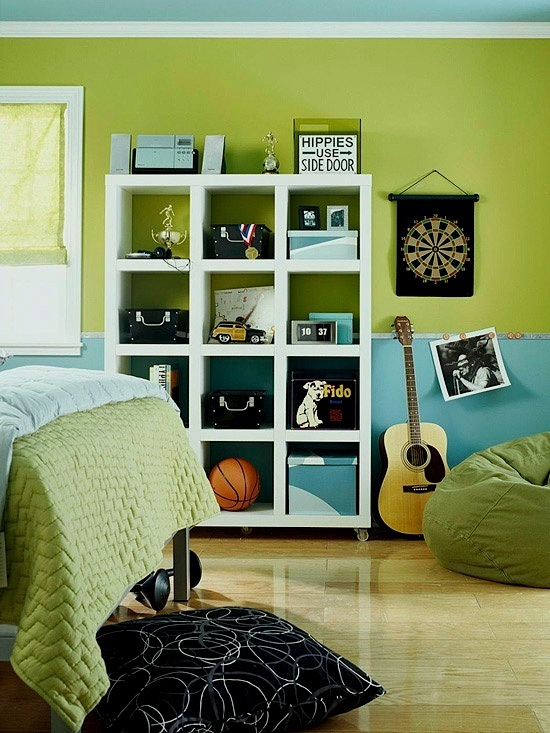 Green And Blue Bloys Room With Black Accents